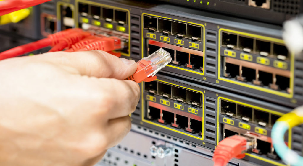 digital change management - plugging cables into server